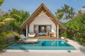 Pool Beach Villa Sunrise – Fushifaru Maldives