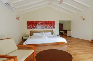 Deluxe Beach Bungalow – Hondaafushi island resort