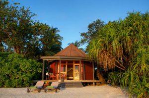 Jacuzzi Beach Villa – Komandoo Island Resort & Spa