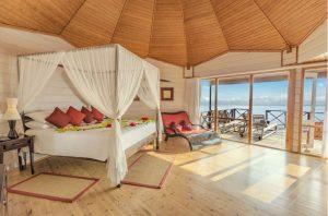 Jacuzzi Water Villa – Komandoo Island Resort & Spa