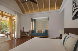 Beachfornt Deluxe Bungalow – Kurumba Maldives