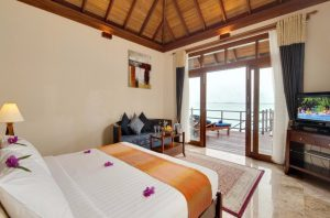 Sunset Jacuzzi Water Villa – Olhuveli Beach & Spa