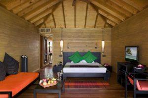 Jacuzzi Water Villa – Vilamendhoo Island Resort